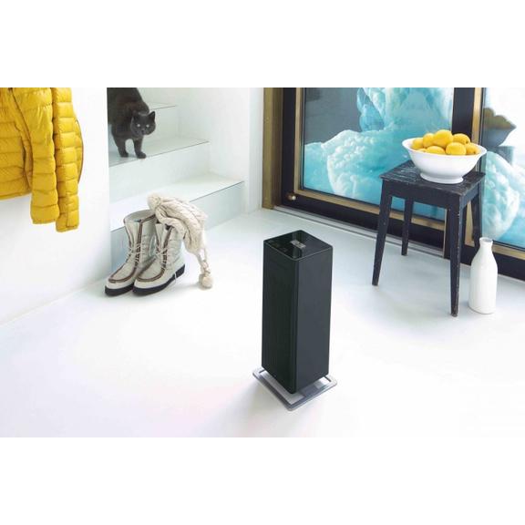 Teplovzdušný ventilátor Stadler Form Anna Big - čierny v miestnosti