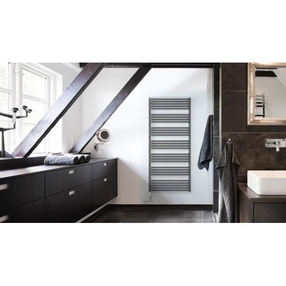 TERMA Alex elektrický kúpeľňový radiátor 1580x600 v modernom interiéri