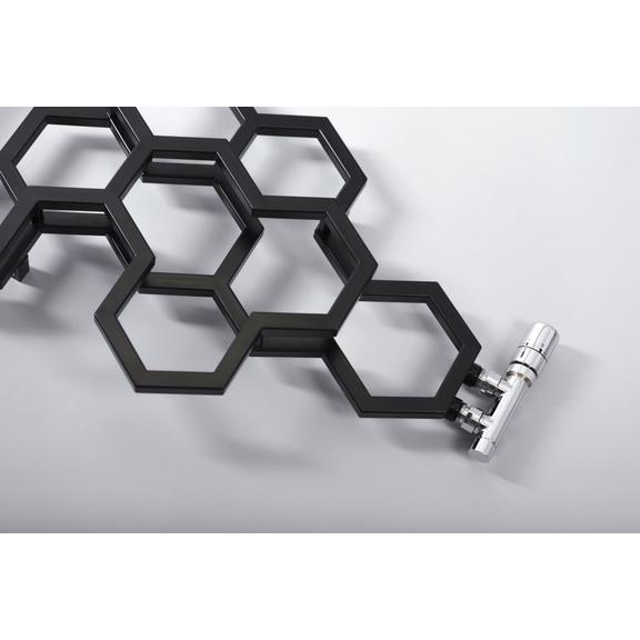 TERMA Hex dizajnový radiátor 1220x486 Soft 9005 Detail 2