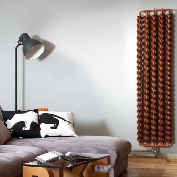 TERMA Ribbon V retro radiátor 1920x390 farba Copper- v interiéri