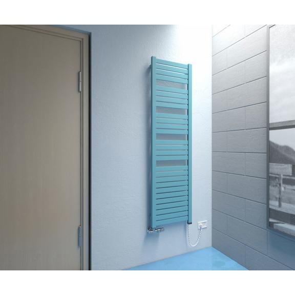 TERMA Mantis dizajnový radiátor 1260x540 RAL 5018 v interiéri