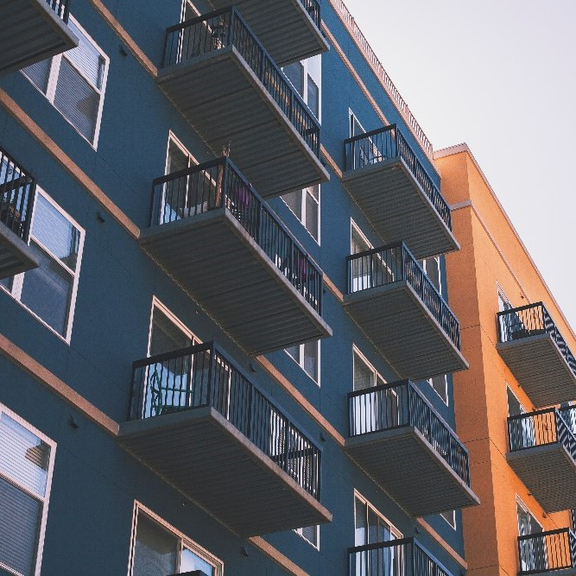 Rodinné domy a byty