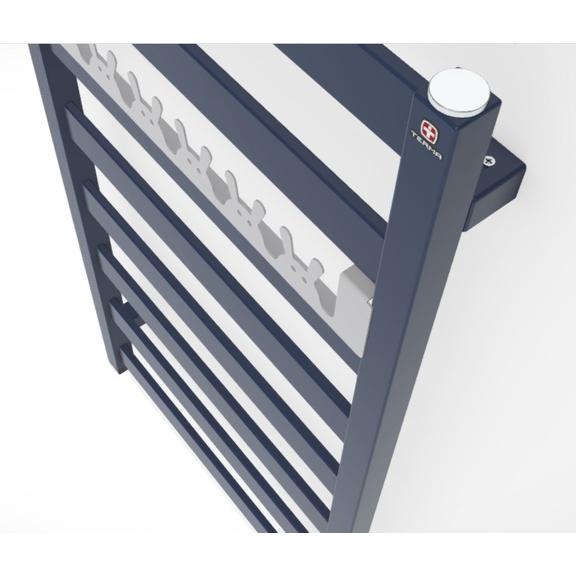 TERMA Vivo ONE kúpeľňový radiátor 910x500 RAL 5003 detail vešiak HappyRabbit soft7047
