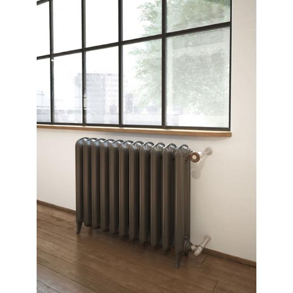 TERMA Plain retro radiátor farba Antique Brass pod okno