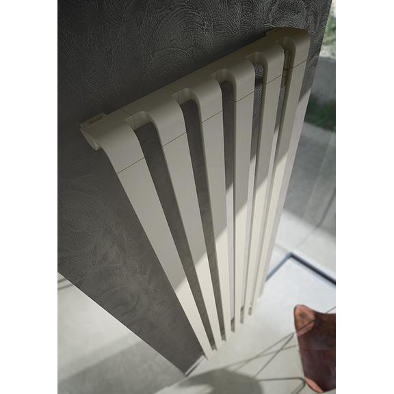 IRSAP Step V dizajnový radiátor 2000x670 farba Quartz 1 - detail